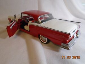 New price. 1957 Ford Retractable Hard Top Diecast. London Ontario image 3
