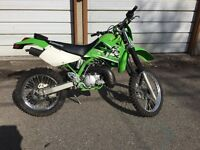 Kawasaki KDX 220R ** USED VERY LITTLE, MINT CONDITION **