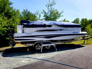 23ft Southwind deck boat