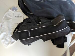 Baby Bjorn- Sport mesh- with 2 drool bibs and cold weather cover