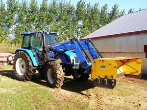 New Holland T5050 et lame Cotech fixe réversible de 8'