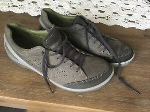 Brand new ECCO shoes