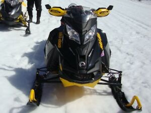 FOR SALE:  SKI DOO SNOWMOBILE IN EXCELLENT CONDITION