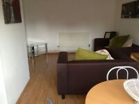 2 Bedroom City Centre Apartment - £850 per month - Available November 10th - excellent location