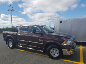 2015 RAM 1500 SLT EcoDiesel, 4x4, Crew Cab, Heated Leather, Nav