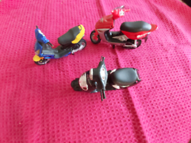 Miniature model scooters