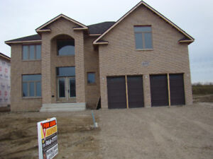 IMMEDIATE POSSESSION AVAILABLE HOUSE FOR RENT