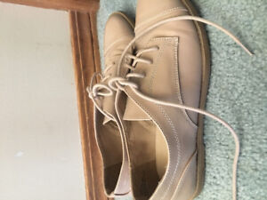 Nude patent oxfords