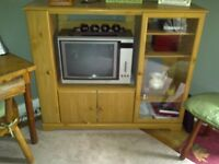 Beautiful Cabinet in Excellent Condition - Pick Up Only