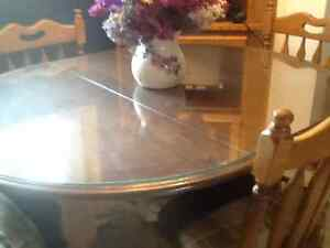 Dinning Room Table and set priced to sell