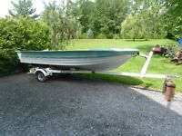 16ft fiberglass boat and trailer and 15 hp motor