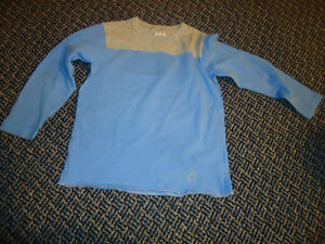 Boys size 4/5 (XS) Long Sleeve T-Shirt by GAP