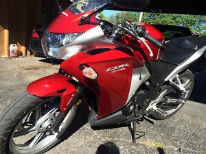 Honda cbr250r abs 2nd owner Belleville Belleville Area image 1