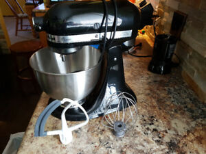 Kitchen Aid Classic in Gloss Black