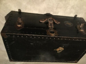 FS: very OLD aantique Leather Trunk.