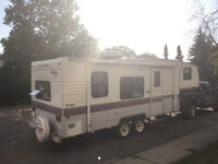 REDUCED*** 25FT TERRY FIFTH WHEEL