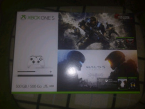 Xbox One S 500GB With 2 Controllers And 7 Games