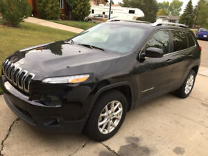 2015 Jeep Cherokee North Edition remote start Winter tires 4x4