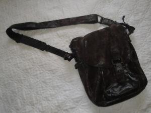 Leather Messenger Bag (Unisex)