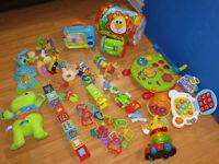 Lot de + de 25 jouets d'éveil pour bébé