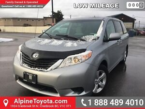 2014 Toyota Sienna LE   FWD, heated seats, air conditioning, roo