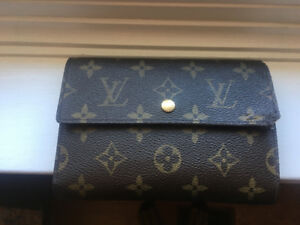 100% Authentic Louis Vuitton Purse Wallet: In person or shipped