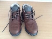 BRASHER walking shoes/boots