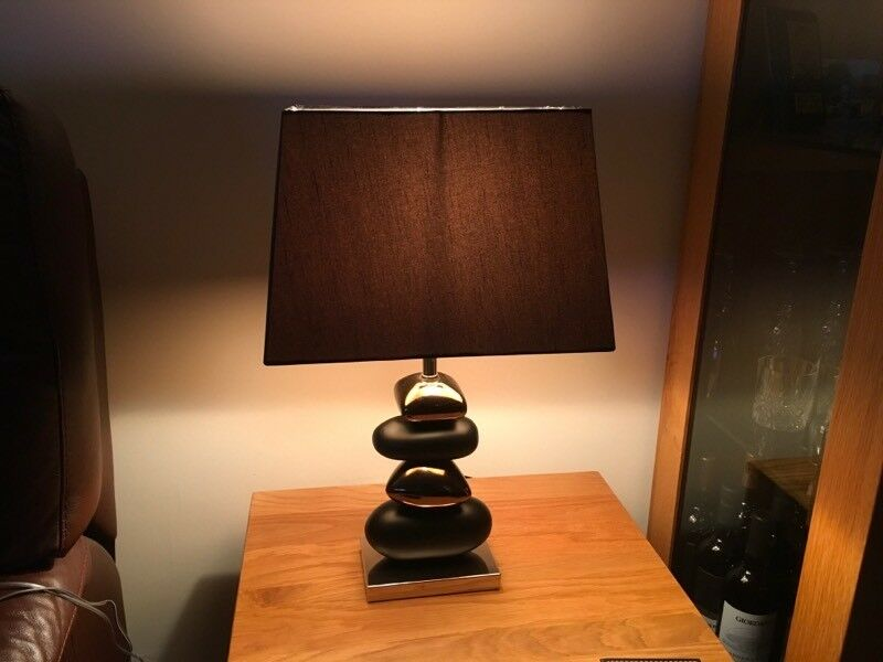 Pebble style table lamp