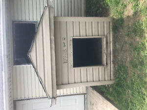 Free fully insulated dog house !