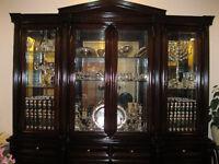 magnificent china closet - magnifique huche