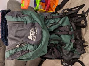 Sacs de voyage (46L femme + un petit sac)