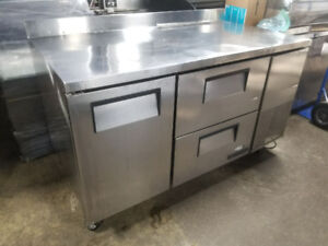 TRUE 5 FT UNDER-COUNTER COOLER WITH DRAWERS