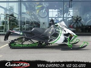 2015 Arctic Cat m8000 153 limited, seulement 233km. 42,32$/SEMAI