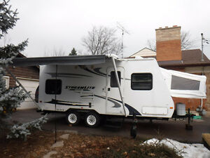 2010 Stream lite 22 ft hybrid ultra lite, sleeps 7