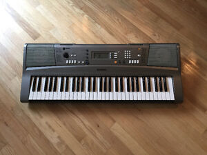YAMAHA YPT-310 KEYBOARD - EXCELLENT CONDITION