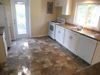 LARGE TWO BEDROOM FLAT/APARTMENT - UTILITIES INCLD - HALIFAX