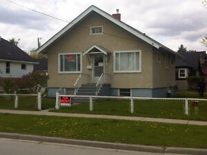 Renfrew - House for Rent !