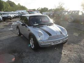 2004 Mini 1.6 Cooper Chilli Pack. 2 owners from new with FSH.