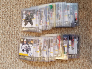 HOCKEY CARDS - 125 ROOKIE CARDS YOUNG GUNS OPC