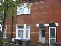 3 bedroom flat in Ravenshurst Avenue, Hendon, NW4