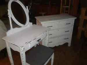 Commode et maquilleuse Shaby chic!