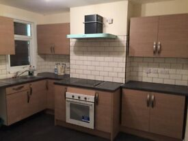 Single room in friendly house - Arnos Grove/ New Southgate / Bounds Green