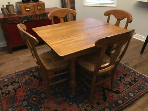 antique harvest table w/ 4 chairs