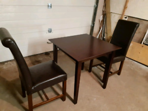 Kitchen dinette set( delivery available)