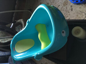 Baby bathtub and baby bath seat