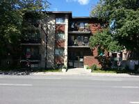 Couple concierge pour 35 logements dans Ahuntsic