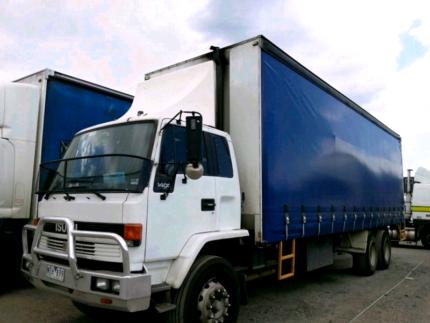 Isuzu truck FVM1400 Jumbo body 14pallet tautliner tailgate loader