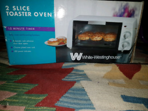 WHITE  WESTINGHOUSE  TOASTER OVEN