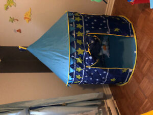 Kids tent blue and yellow stars