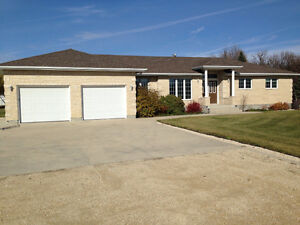 2000 sq.ft Bungalow located in Kingswood Golf & Country Club